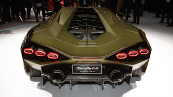 Lamborghini Sian\u0027s hybrid system advantages explained