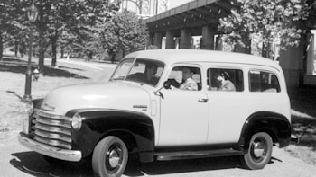 chevrolet marks 85th anniversary of the suburban in 2020 autoblog chevrolet marks 85th anniversary of the