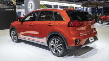 Kia Niro Mpg >> 2020 Kia Niro Hybrid Updates Unveiled At 2019 Los Angeles