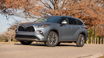 2020 Toyota Highlander Review What S New Hybrid Fuel