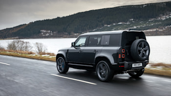 Research 2022                   Land Rover Defender pictures, prices and reviews