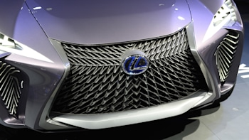 Lexus Will Build A Production Version Of The Ux Crossover Autoblog