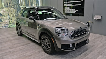 2017 Mini Countryman Is Even Bigger And Now Has A Plug In Model