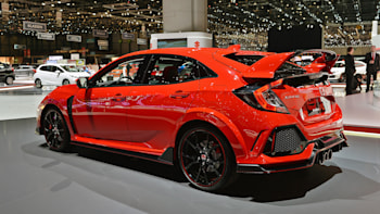 The 2017 Honda Civic Type R Is A Wonderful Caricature Of Itself