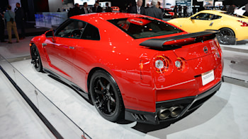 2017 Nissan Gt R Track Edition Gets Nismo Bits Heads For Us