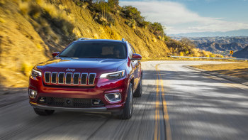 compare 2019 jeep cherokee turbo 2.0l with high-horsepower small