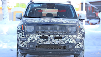 2019 Jeep Renegade Gets Facelift New Dash Bigger Screen In Spy