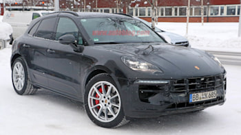 Porsche Macan Crossover Gets Refreshed Interior Bigger Touchscreen