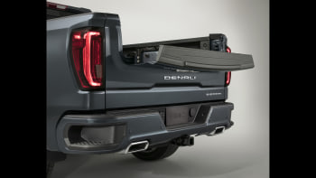 New 2019 GMC Sierra revealed with a carbon-fiber bed