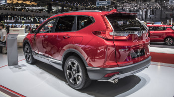 2019 Honda CR-V Hybrid Release Date And Specs >> Honda Announces Three Row Cr V And Cr V Hybrid Launch Date Autoblog