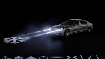 Mercedes Digital Light System Projects Safety Graphics Onto The Road - Car light show