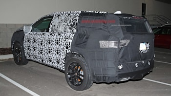 3 Row Jeep >> Jeep 3 Row Suv Spotted Testing Again Autoblog