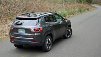 Jeep Compass Trailhawk Review What It S Like To Drive Autoblog