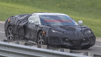 Mid Engine Chevy Corvette Could Get 1 000 Hp All Wheel Drive Hybrid