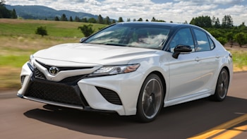 2018 Toyota Camry Ing Guide Sedan Questions Answered