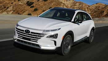 Hyundai delivers first Nexo fuel-cell vehicle in California