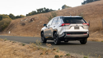 2019 Toyota Rav4 Hybrid Quick Spin Review And Rating Autoblog