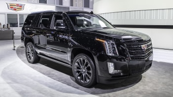 2019 Cadillac Escalade Sport Edition Unveiled In L A Autoblog