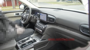 2020-ford-explorer-interior-1.jpg