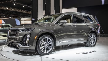 2020 Cadillac Xt6 Is Caddy S First Three Row Crossover Autoblog