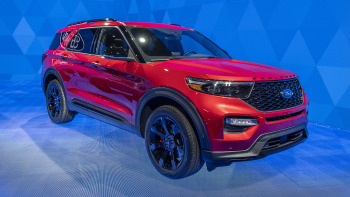 2020 Ford Explorer St Explorer Hybrid Revealed At Detroit Autoblog