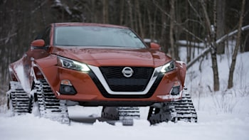 2019 nissan altima gets snow tracks from nissan canada autoblogNissan Altima Track #15