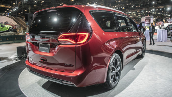 Chrysler Pacifica 2020 Review.2020 Chrysler Voyager And Pacifica Minivans Here S What