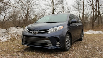 2019 Toyota Sienna Review And Ing Guide Old But Not Finished