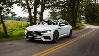Vw Arteon Pricing Announced Arrives At Dealers In April Autoblog