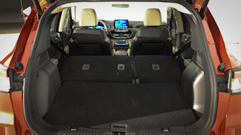 Ford Escape Cargo Space >> 2020 Ford Escape Reviews Price Specs Features And Photos