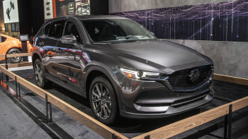2019 Cx 5 Signature Awd With Skyactiv D 2 2 Revealed At Nyias Autoblog