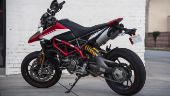 2019 Ducati Hypermotard 950 Sp Motorcycle First Ride Review Autoblog
