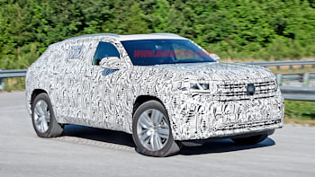 2020 VW Atlas Cross Sport, Changes, Price >> 2020 Vw Atlas Cross Sport Two Row Crossover Spied Autoblog