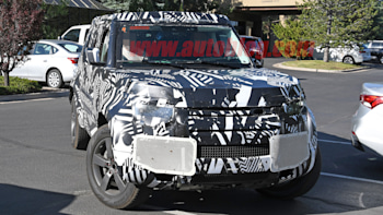 2020 Land Rover Defender interior spied, matches leaked