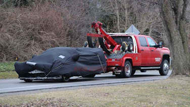 Chevy Corvette C8 breaks down, caught in photos | Autoblog