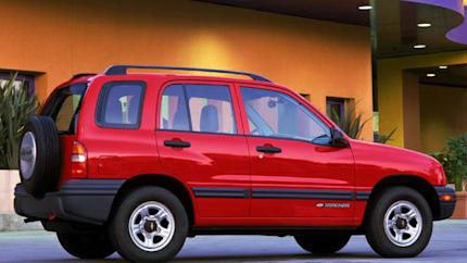2004 Chevrolet Tracker - 4x2 (Base)