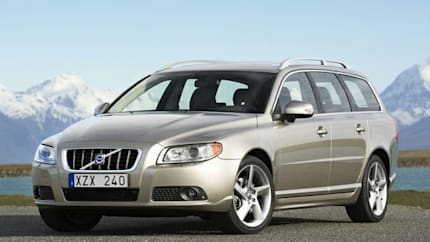 2010 Volvo V70 - 4dr Front-wheel Drive Wagon (3.2)