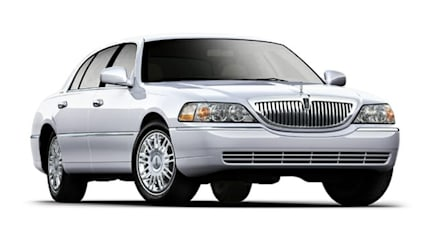 2011 Lincoln Town Car - 4dr Sedan (Signature Limited Retail)