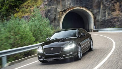2018 Jaguar XJ - 4dr Rear-wheel Drive Sedan (XJ R-Sport)
