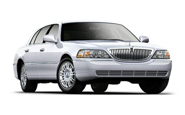 Lincoln Town Car Prices Reviews And New Model Information Autoblog