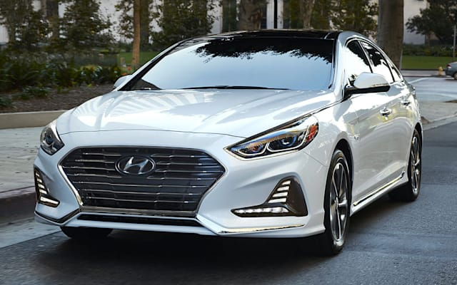hyundai sonata plug in hybrid prices reviews and new model information autoblog. Black Bedroom Furniture Sets. Home Design Ideas