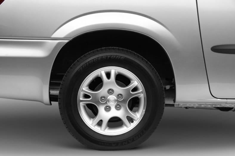 2004 Dodge Grand Caravan Exterior Photo