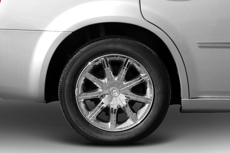 2010 Chrysler 300C Exterior Photo