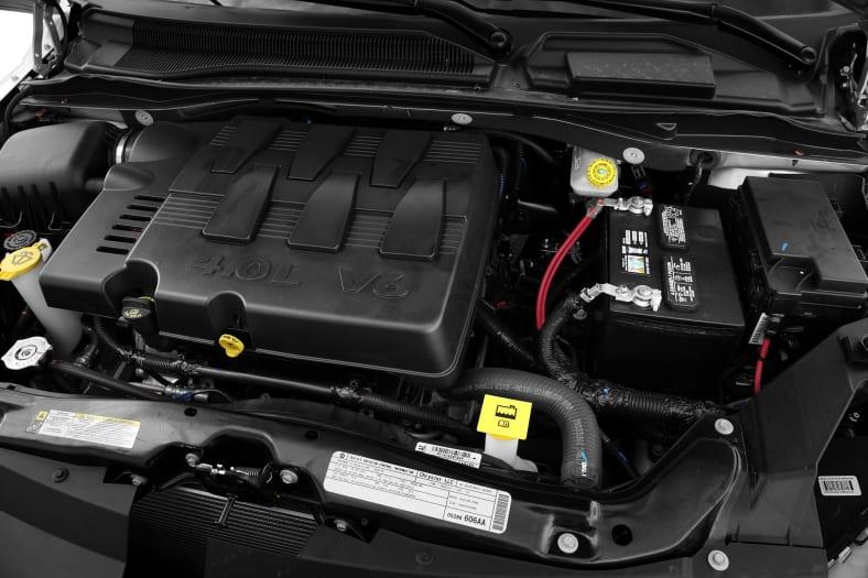2010 Volkswagen Routan Pictures