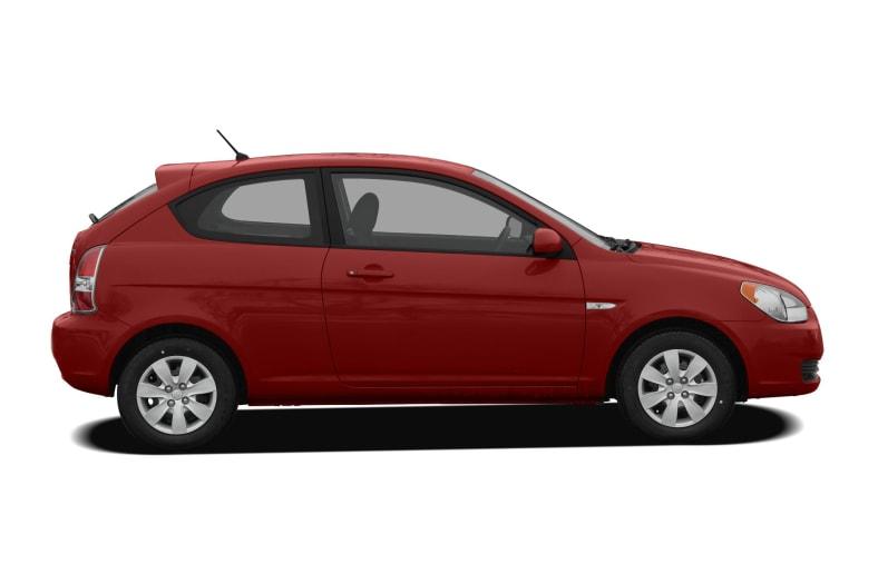 2011 Hyundai Accent Pictures