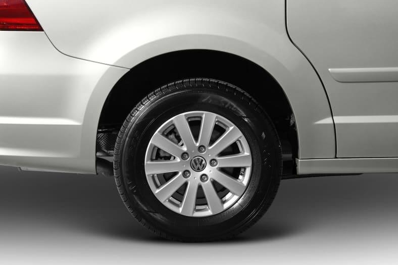 2012 Volkswagen Routan Exterior Photo