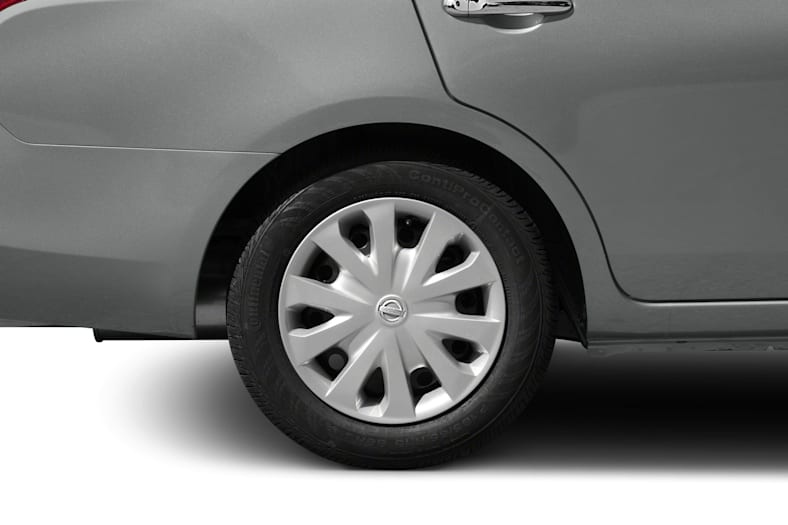 2013 Nissan Versa Exterior Photo