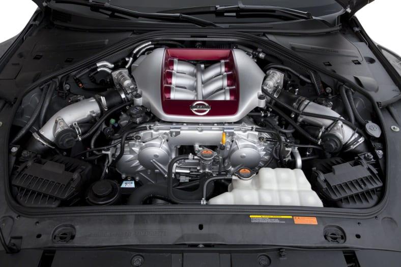 2013 Nissan GT-R Exterior Photo