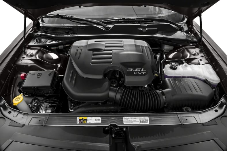 2018 dodge challenger pictures for Bolles motors used cars