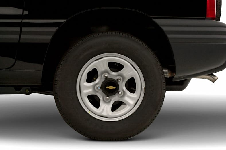 2001 Chevrolet Tracker Exterior Photo